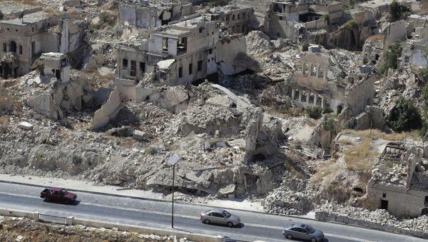 Widok na zburzoną dzielnicę w Aleppo, Syria - Sputnik Polska