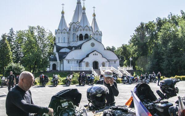 Uczestnicy XVIII Międzynarodowego Motocyklowego Rajdu Katyńskiego - Sputnik Polska