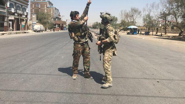 Siły bezpieczeństwa Afganistanu na miejscu ataku rakietowego w Kabulu - Sputnik Polska