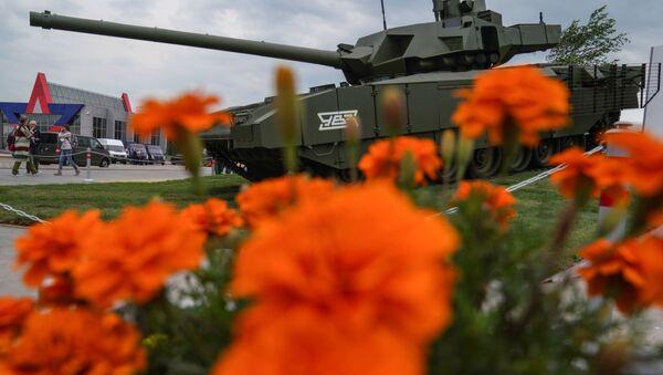 """Czołg T-14 """"Armata"""" na wystawie """"Armia Rosji - jutro"""" w ramach IV Międzynarodowego Wojskowego Forum Technicznego """"Armia-2018"""" w Kubince - Sputnik Polska"""