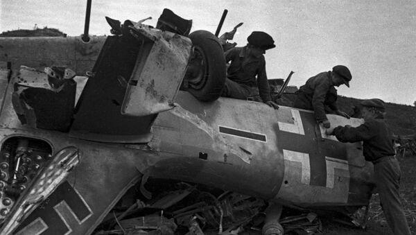 Zestrzelony samolot faszystów - Sputnik Polska