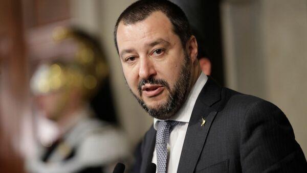 "Lider włoskiej partii ""Liga Północna"" Matteo Salvini - Sputnik Polska"
