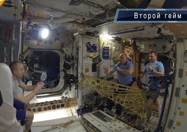 Tenis w kosmosie