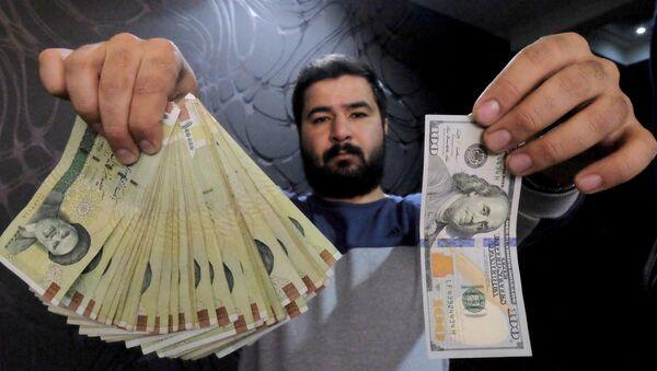 Amerykańskie dolary i irańskie riale - Sputnik Polska