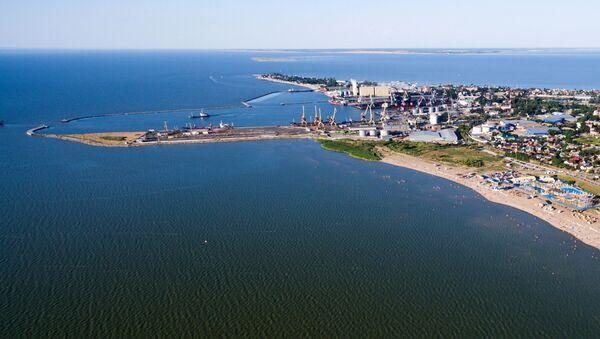 Jejski morski port handlowy na Morzu Azowskim - Sputnik Polska