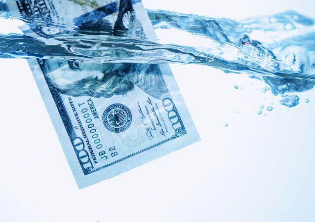 Dolar w wodzie