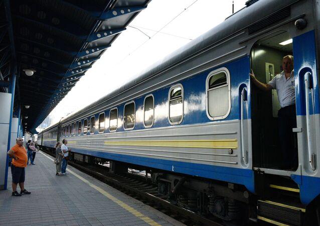Pociąg Kijów - Moskwa na stacji kolejowej w Kijowie