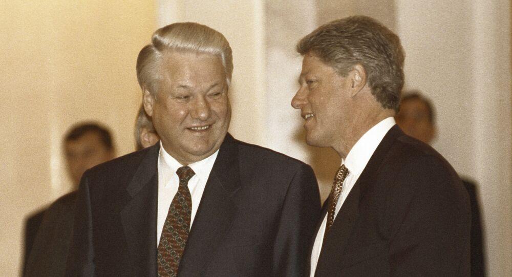 Prezydent Rosji Boris Jelcyn i prezydent USA Bill Clinton w czasie spotkania na Kremlu