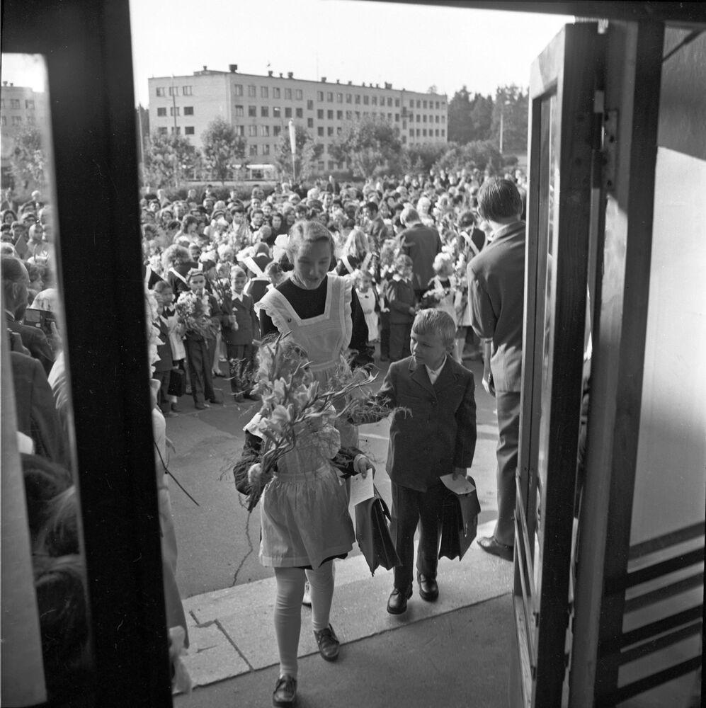 Otwarcie nowej szkoły pod Kurskiem, 1976 r.