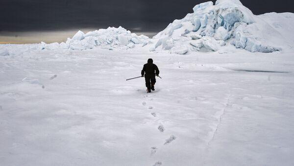 Członek wyprawy arktycznej Kara-zima 2015 - Sputnik Polska