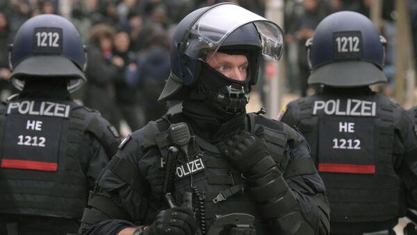Niemiecka policja na wiecu nacjonalistów w Chemnitz - Sputnik Polska
