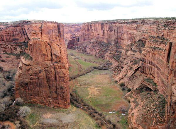 Kanion De Chelly, położony w północno-zachodniej części Arizony w USA - Sputnik Polska