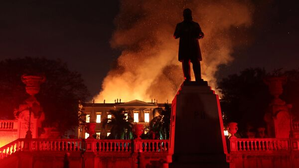 Pożar w budynku Muzeum Narodowego Brazylii w Rio de Janeiro - Sputnik Polska
