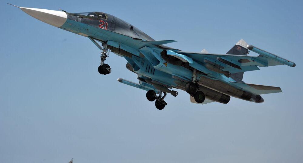 Samoloty rosyjskich sił powietrznych w bazie lotniczej Hmeimim w Syrii