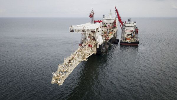Statek do układania rur Solitaire przygotowuje się do rozpoczęcia prac nad układaniem gazociągu North Stream 2 na Bałtyku - Sputnik Polska