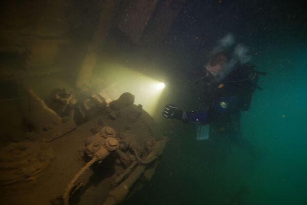 Zejście na zatopiony wojskowy kuter torpedowy - Sputnik Polska