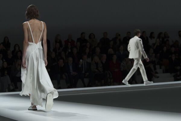 Prezentacja kolekcji Hugo Boss podczas Tygodnia Mody w Nowym Jorku - Sputnik Polska