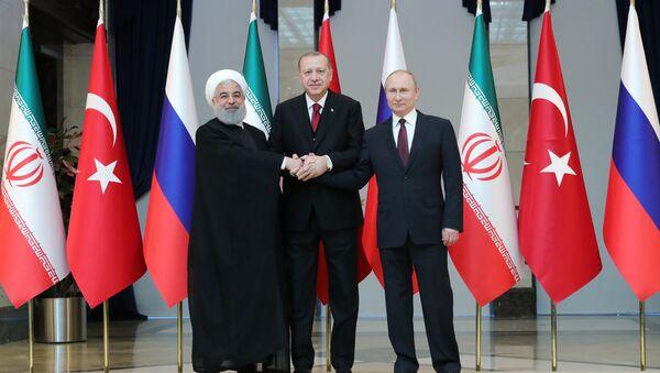 Prezydenci Iranu, Rosji i Turcji - Sputnik Polska