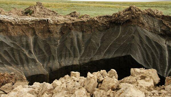 Krater na Półwyspie Jamalskim - Sputnik Polska