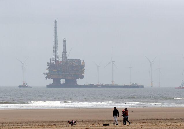 Wydobycie ropy na Morz Północnym przez firmę Brent Delta Topside