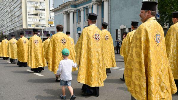Uczestnicy procesji Ukraińskiego Kościoła Prawosławnego w Kijowie - Sputnik Polska