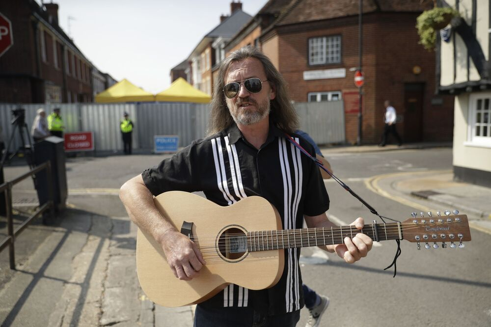 Muzyk Pete Aves w Salisbury