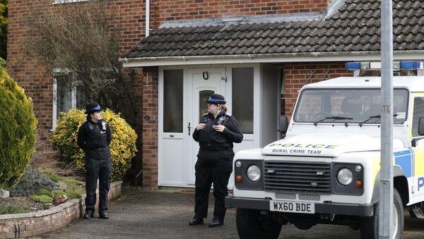 Policja przy domu, w którym mieszkał były pracownik GRU Siergiej Skripal w Salisbury - Sputnik Polska