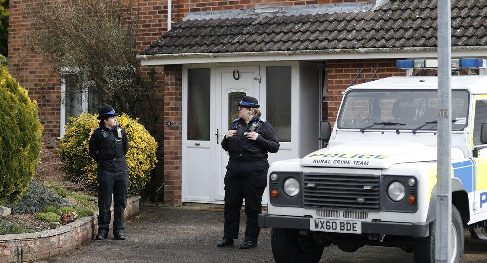 Policja przy domu, w którym mieszkał były pracownik GRU Siergiej Skripal w Salisbury