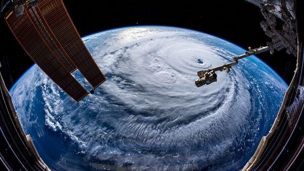 Huragan Florence sfotografowany przez astronoma Alexandra Gersta z Międzynarodowej Stacji Kosmicznej - Sputnik Polska