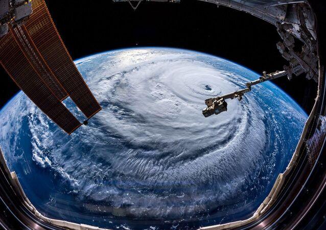 Huragan Florence sfotografowany przez astronoma Alexandra Gersta z Międzynarodowej Stacji Kosmicznej