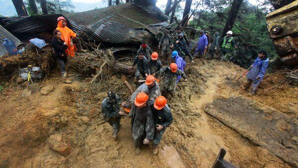 Tajfun Mangkhut, akcja ratownicza na Filipinach - Sputnik Polska