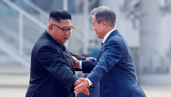 Przywódcy Korei Południowej i Północnej w Pjongjangu - Sputnik Polska