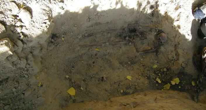 Odkopane szczątki radzieckiego jeńca