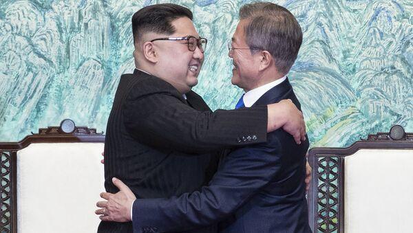 Liderzy dwóch Korei - Sputnik Polska