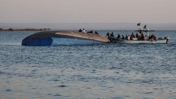 Zatonięcie promu na Jeziorze Wiktorii w Tanzanii - Sputnik Polska