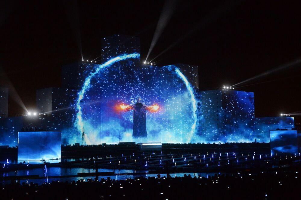 """Ceremonia otwarcia międzynarodowego festiwalu """"Krąg światła"""" w Moskwie"""