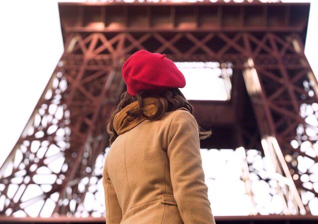 Kobieta w Paryżu