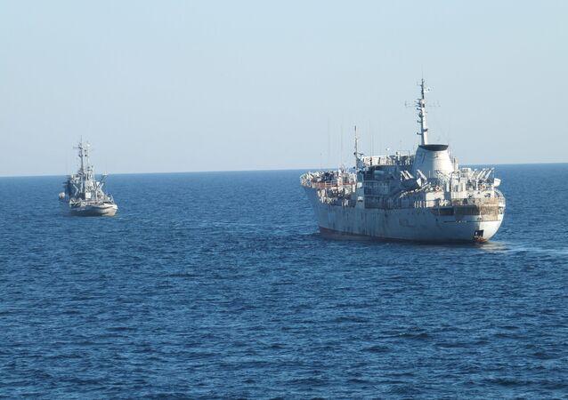 Okręty ukraińskiej marynarki wojennej u wybrzeży Krymu