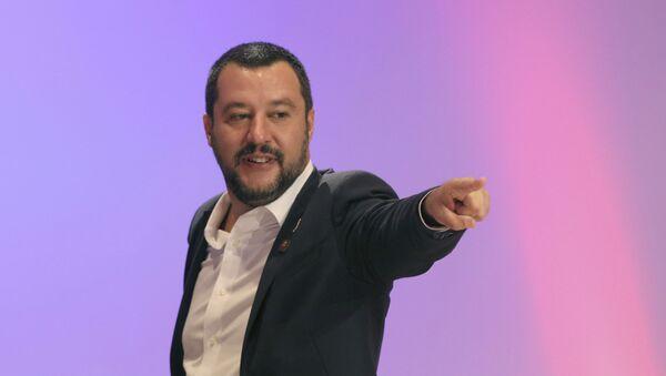 Minister spraw wewnętrznych Włoch Matteo Salvini - Sputnik Polska