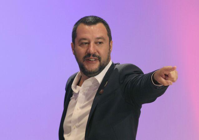 Minister spraw wewnętrznych Włoch Matteo Salvini