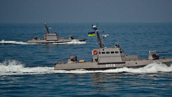 Kutry opancerzone Berdiańsk i Akkerman projektu 58150 Giurza podczas testów w otwartym morzu. - Sputnik Polska
