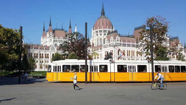 Budynek parlamentu węgierskiego w Budapeszcie - Sputnik Polska
