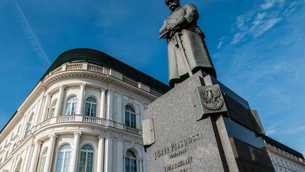 Pomnik Józefa Piłsudskiego w Warszawie. - Sputnik Polska