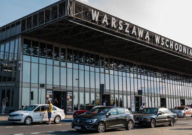 Dworzec Warszawa Wschodnia.