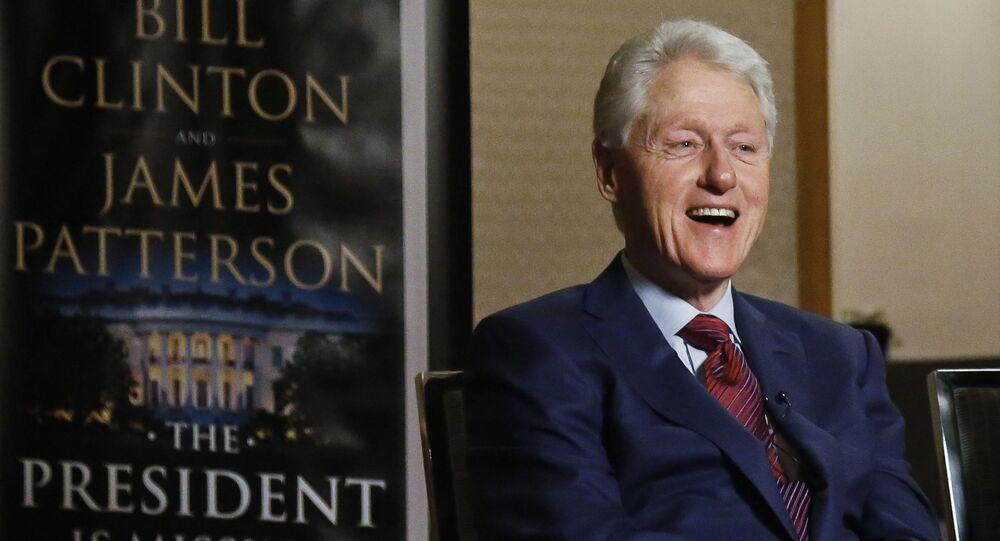"""Były prezydent USA Bill Clinton podczas wywiadu o jego powieści """"Prezydent zniknął"""""""