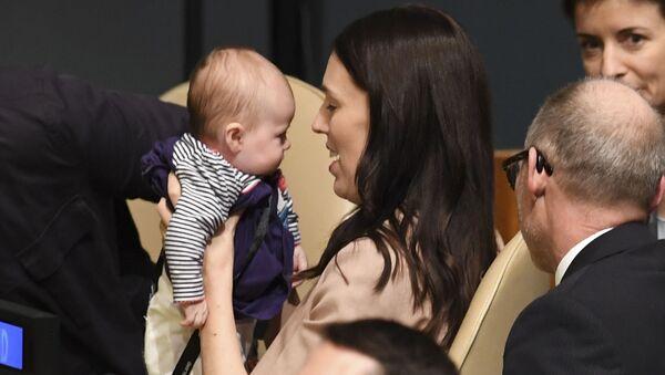 Premier Nowej Zelandii Jacinda Ardern ze swoim dzieckiem na 73 posiedzeniu Zgromadzenia Ogólnego ONZ - Sputnik Polska