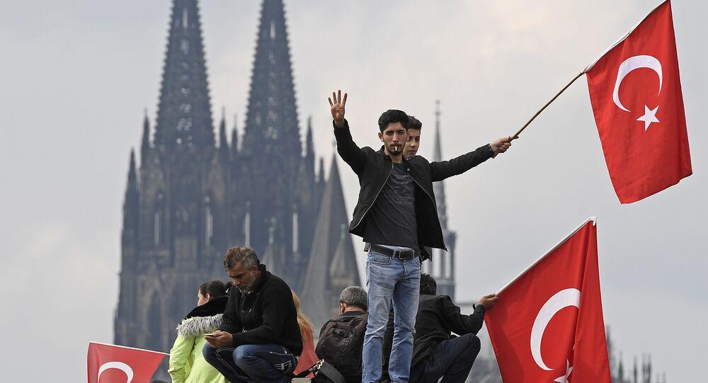 Protesty zwolenników Erdogana w Kolonii, 2016 rok