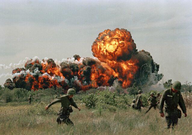 Atak z użyciem napalmu podczas wojny we Wietnamie