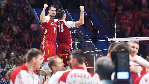 Fabian Drzyzga i Michał Kubiak po wygranym finałowym meczu MŚ w siatkówce 2018 - Sputnik Polska