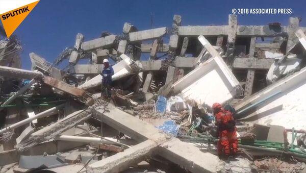 Trzęsienia ziemi i tsunami w Indonezji - Sputnik Polska